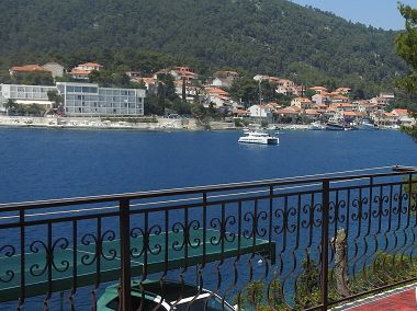 Apartamenty Mari - next to the sea: A1(6+2), A2(6+2), A3(2+1), A4(2+2) Brna - Wyspa Korcula