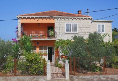 Apartamenty Liza - 80 M from the sea : SA1(2), A2(2+1), A3(3) Korcula - Wyspa Korcula