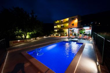Apartamenty MARISKA - with swimming pool A1(6+2) Podstrana - Riwiera Split