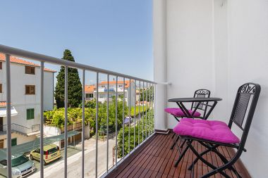 Apartamenty Neven - comfortable & great location: A1(4+2) Split - Riwiera Split